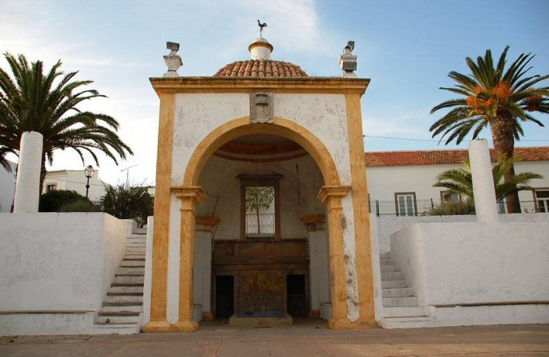 Hit the road and visit the most old and beautiful places in Algarve